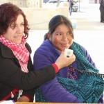 Genoveba, madre indígena que recuperó a su hija. Fotografía tomada del CEDEHM (Centro de Derechos Humanos de las Mujeres)