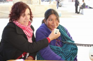 Genoveba, madre indígena que recuperó a su hija. Fotografía tomada del CEDEHM