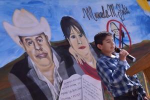 Mural realizado por el artista Mac, en honor de Ismael Solorio y Manuelita Solís. Fotografía de Bryan Soto
